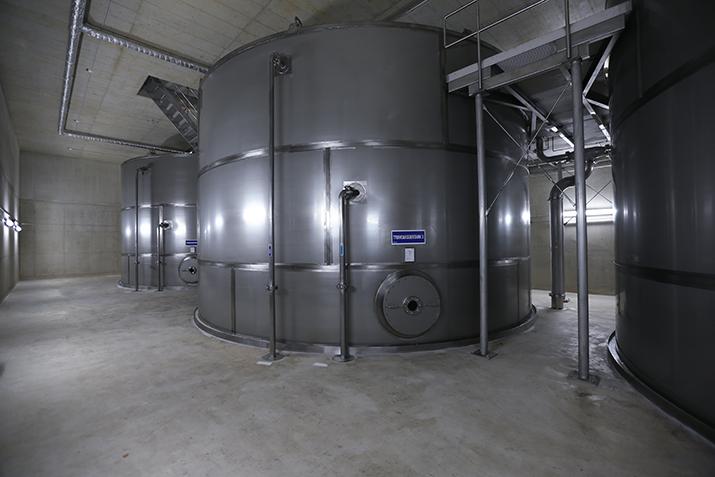 Großvolumige Edelstahltanks für Trinkwasser der Gemeinde Käerjeng